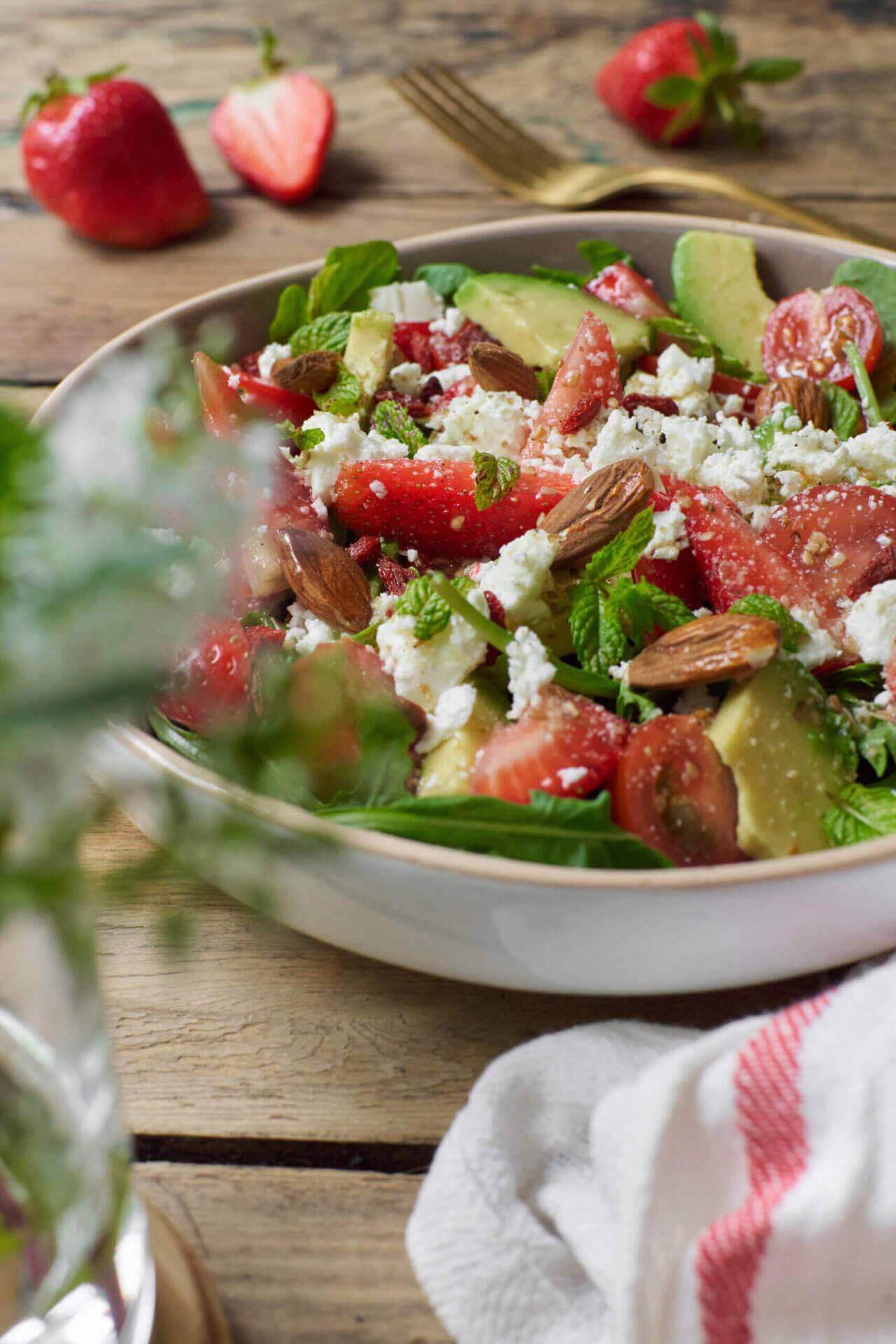 Salade estivale fraises et fêta